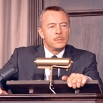 Les Tremayne as Auctioneer in North By Northwest 1959